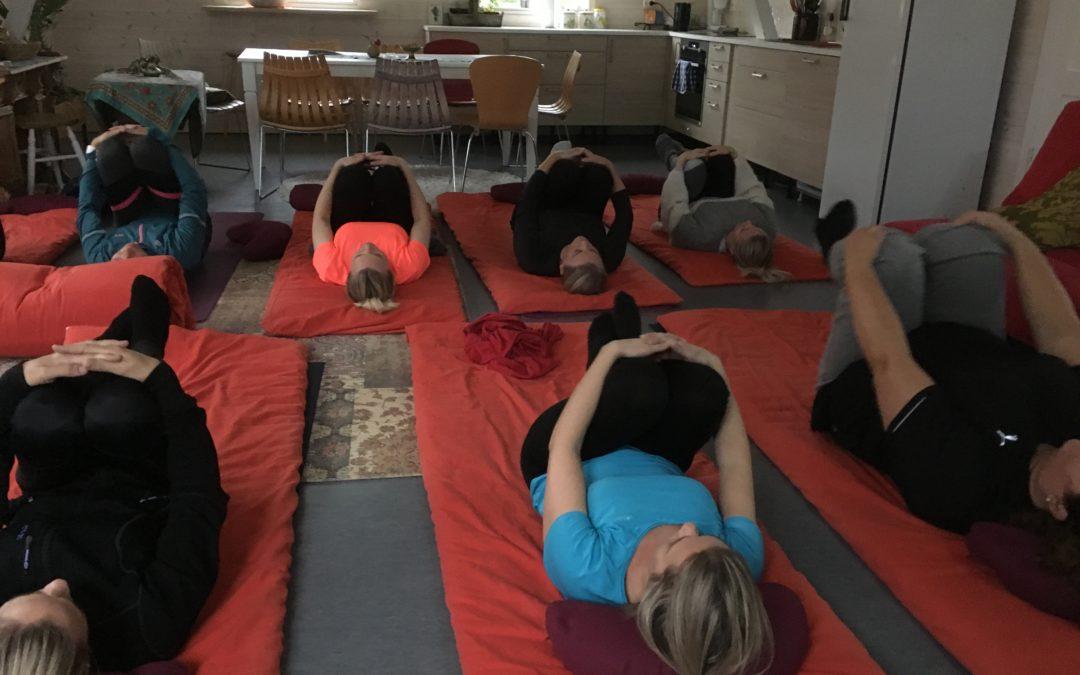 Yin Yoga Søndag – julespesial